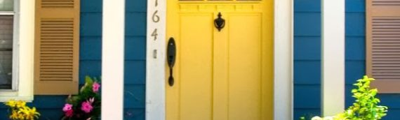 Aprenda a pintar porta de madeira